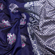 Navy Color Silk Rich Pallu & Contrast Border Saree.