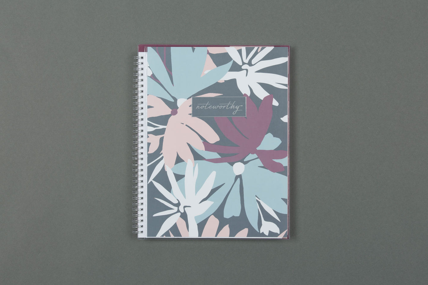 "2019-2020 Noteworthy™ ""Britt"" 8.5 x 11 Weekly CYO Planner Notebook"
