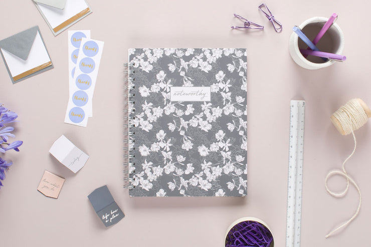 "2020 Noteworthy™ ""Tallulah Grey"" 7 x 9 Weekly Planner"