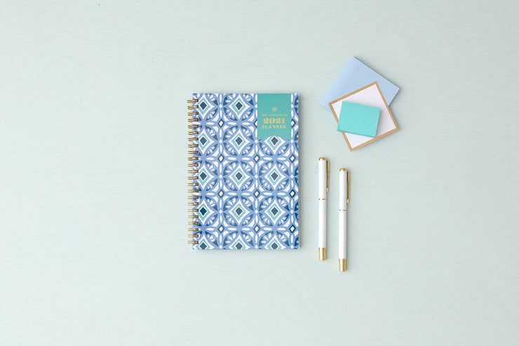 2021 Tiles 5x8 Weekly Planner Day Designer
