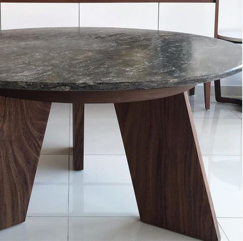 Mesa de Aletas Cubierta de Granito / Fin Table with Granite top