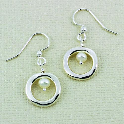 Organic Loop Pearl Earwire, 12mm