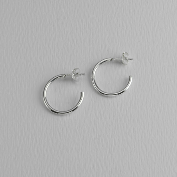 Everyday Roundware Sterling Hoops, 18 mm