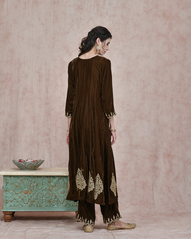 MEHENDI GREEN VELVET EMBROIDERED KURTA AND PLAZO