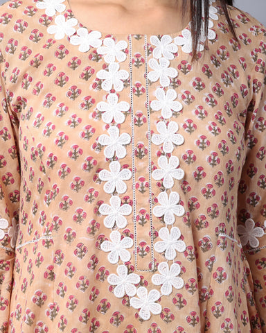 BEIGE HANDBLOCK COTTON MUL-MUL KURTI WITH LACE