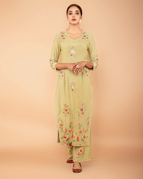 green embroiderd leather work muslin suit set with attached mul mul  lining set of 2
