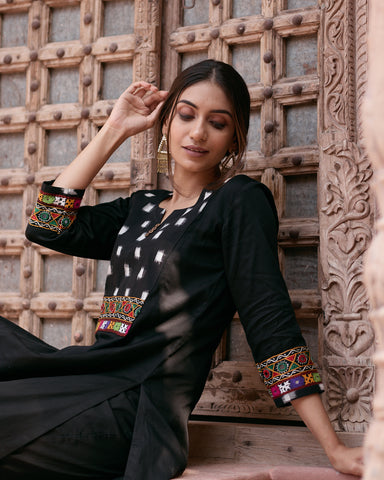 BLACK IKKAT KURTA WITH PANTS