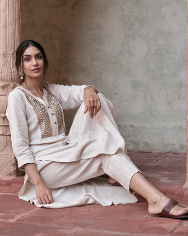 IVORY IKKAT HANDLOOM COTTON KURTA WITH PANTS