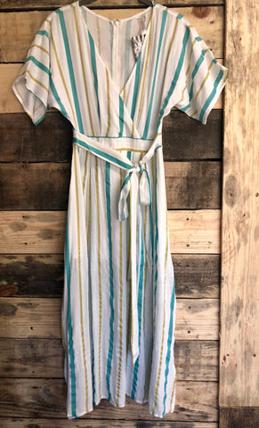 Striped Dress w/Tie (front or back) run small