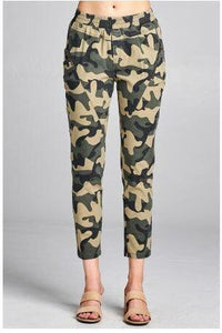 Elaine Camo Cropped Pants