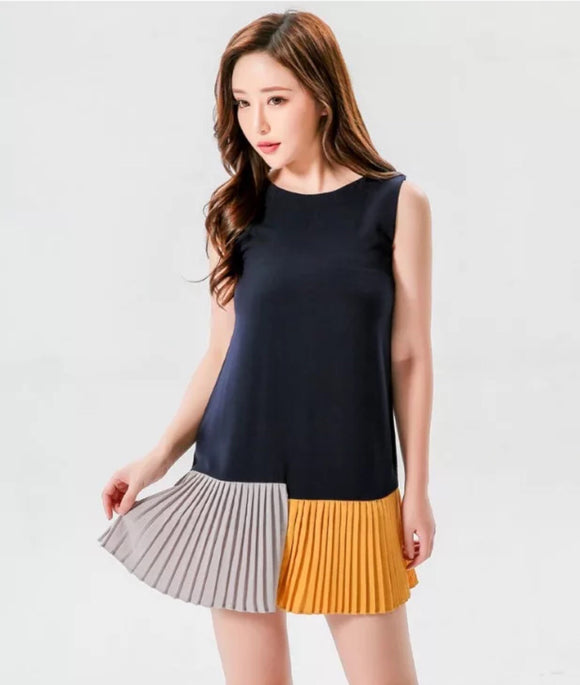 Annette Color block dress with pleated hemline