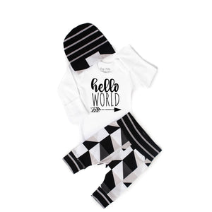 Gigi and Max - Hello World Triangle Newborn Set