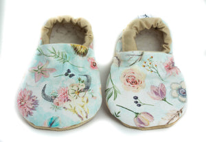 Yeti Feet & Company - Rustic Floral Baby Moccs