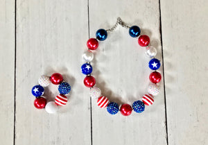 {CHUNKY NECKLACE & BRACELET} Red, White and Blue