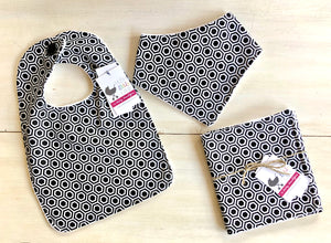 {BIB - BURP CLOTH - BANDANA BIB}  Handmade - Hexagon