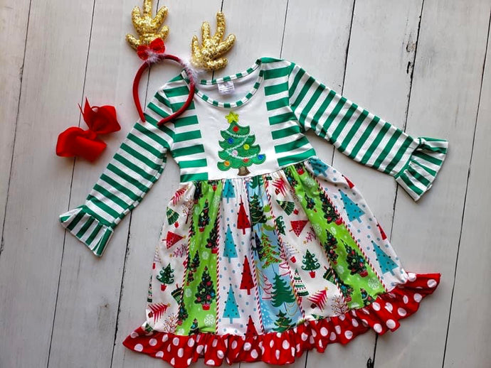 {DRESS} Christmas Tree Fun