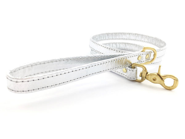 Silver dog leash in unique Pinatex vegan leather with matching collar available