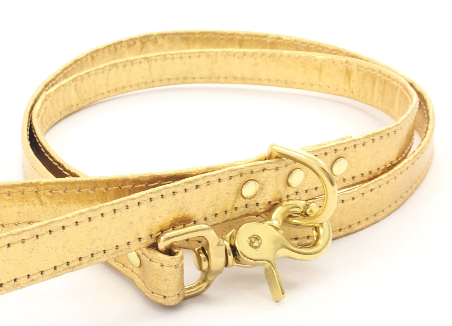 Gold dog lead / leash in unique Pinatex vegan leather with solid brass trigger snap hook