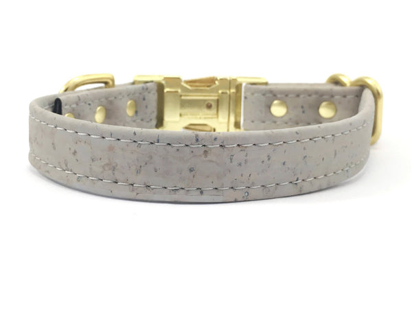 Light grey dog collar in unique vegan cork leather and luxury brass buckle
