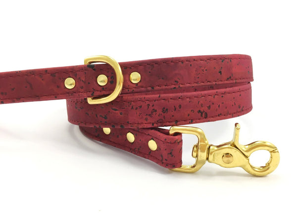 Cork dog lead / dog leash in unique burgundy vegan cork leather, faux leather burgundy dog lead / leash, made by Noggins & Binkles in the UK