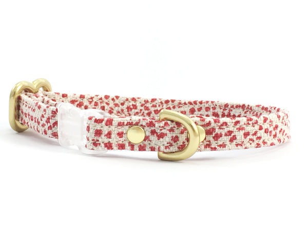 Toy dog collar in red polka dot linen fabric, suitable for miniature dachshunds, chihuahuas and Maltese dogs