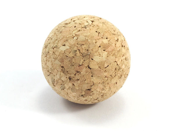 Luxury cat balls toys in natural and eco friendly cork, great as an activity toy for cats