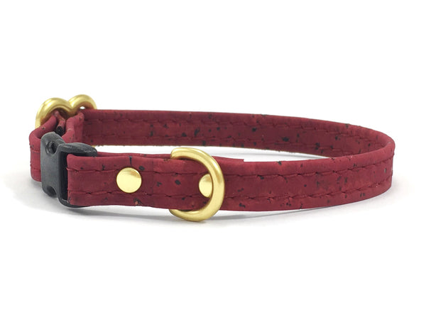 Miniature dog collar in burgundy vegan cork leather with solid brass gold hardware, suitable for puppies, miniature dachshunds, Maltese and chihuahuas.
