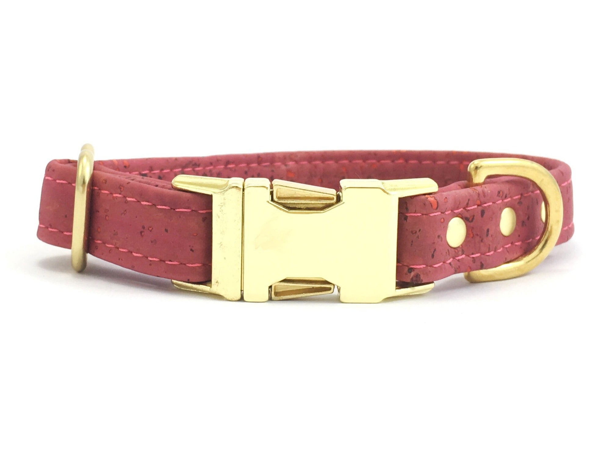 Pink dog collar in vegan cork leather with a luxury brass quick release buckle