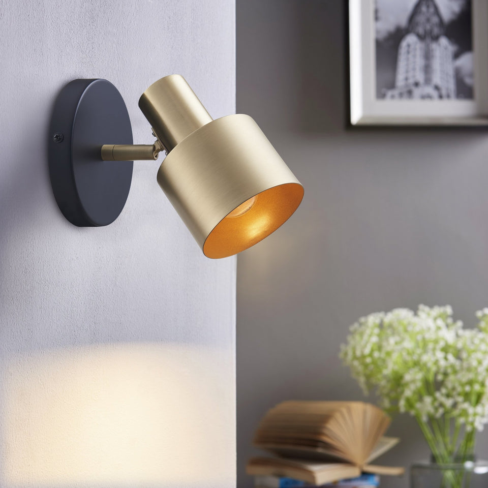EDGE 1-light Wall Sconce - Archiology