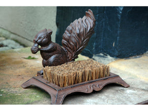 Squirrel Boot Brush (Brown)