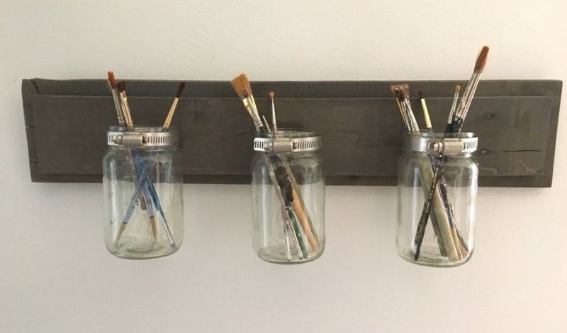 There's no shortage of DIY mason jars crafting projects out there these day