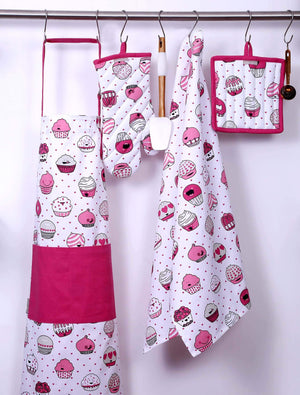 Related casa decors set of apron oven mitt pot holder pair of kitchen towels in a valentine cup cakes design made of 100 cotton eco friendly safe value pack and ideal gift set kitchen linen set