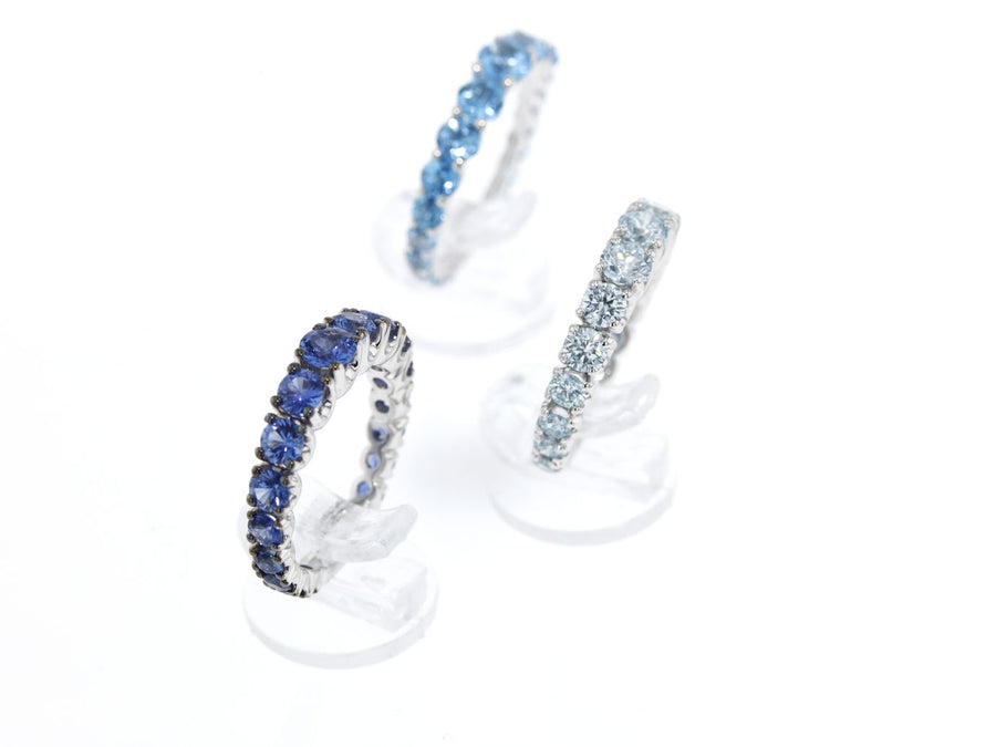 18 ct whit gold ring with Sapphire, blue Topaz or blue diamond