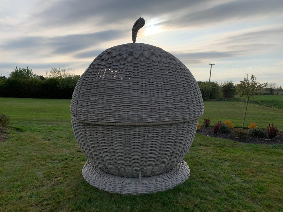 Apple Day Bed - SOLD OUT - RESERVE NOW