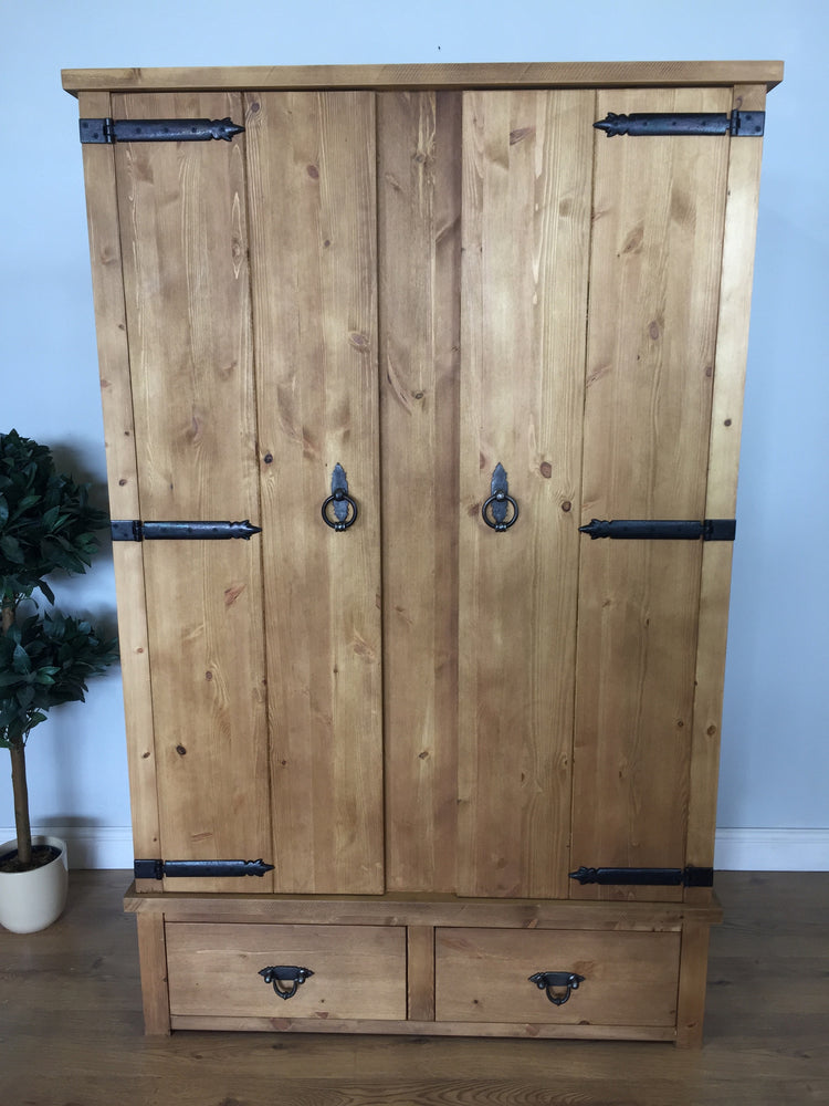 The Authentic Smooth Light Waxed Wardrobe