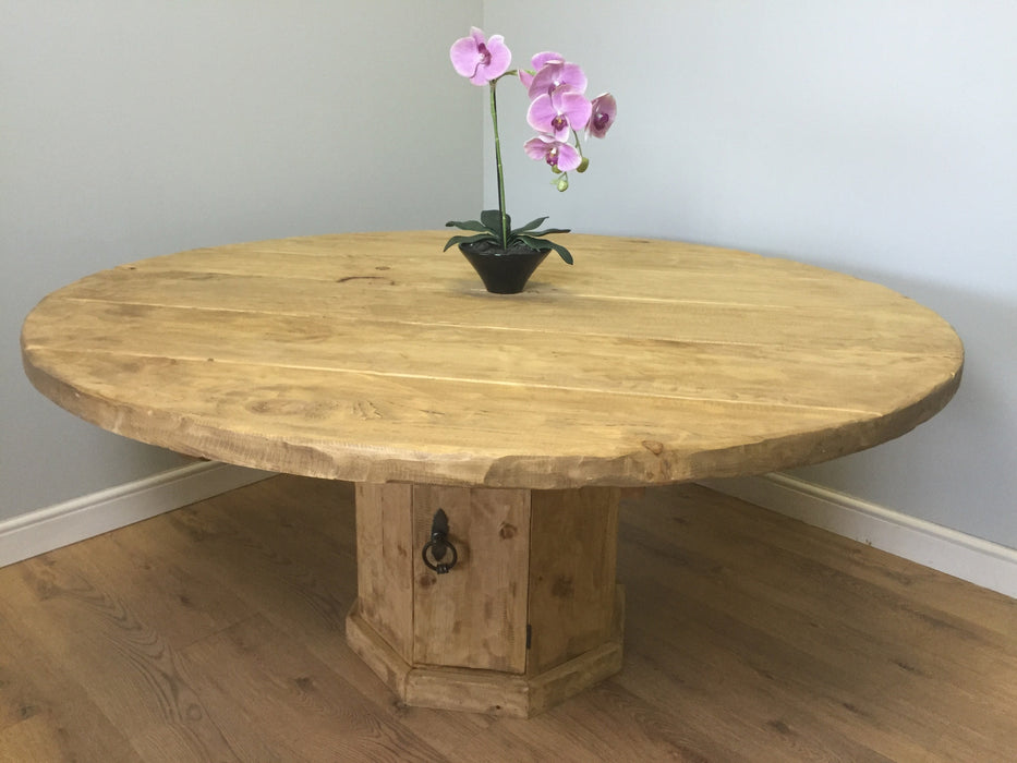 The Artisan Waxed Round Table