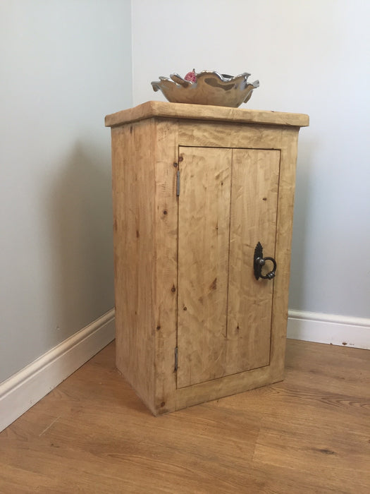 The Artisan Waxed Small Storage Unit