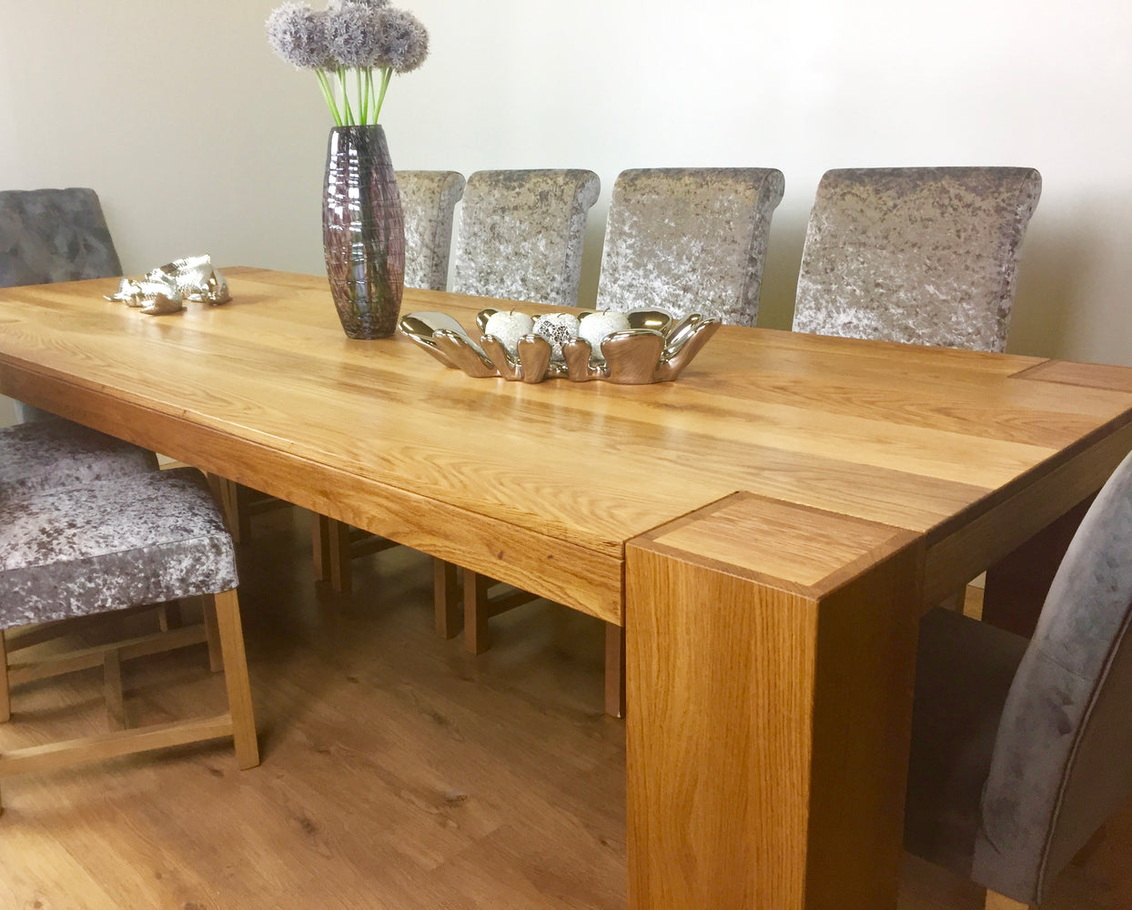 The Quercus Oak Classic Through-Leg Table