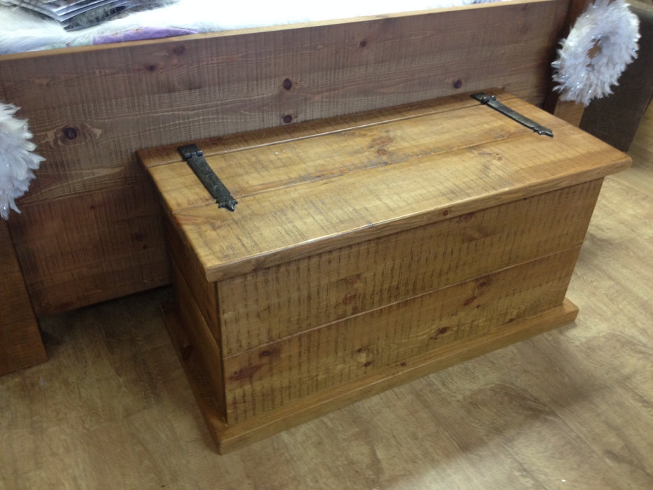 The Authentic Waxed Blanket Box