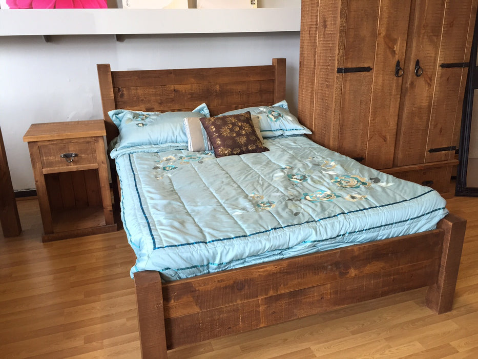 The Authentic Waxed Plank Bed