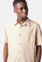 Load image into Gallery viewer, Mentawai Short Sleeve Button Up (Natural)