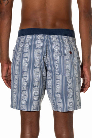 Calypso Trunk (Light Blue)