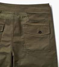 "Load image into Gallery viewer, Layover Stretch Travel Short 19"" (Military)"