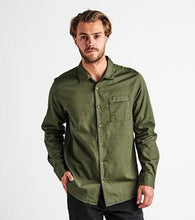 Load image into Gallery viewer, Well Worn Long Sleeve Button Up (Green)