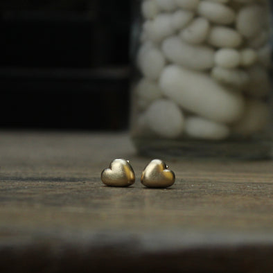 Solid 9ct gold mini pebble hearts studs