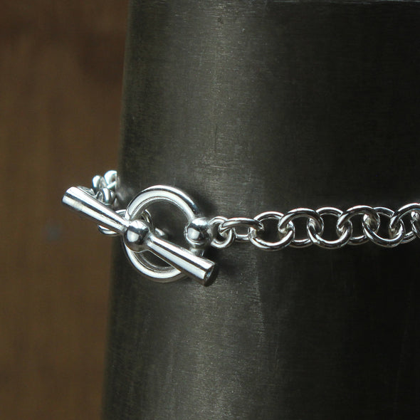 No.5 wrist chain - boat ring & T-Bar. No charms