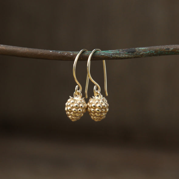 Small blackberry hooks - gold