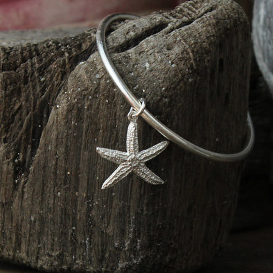 Small starfish bangle