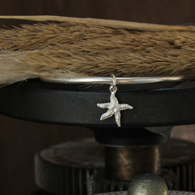 Tiny starfish bangle