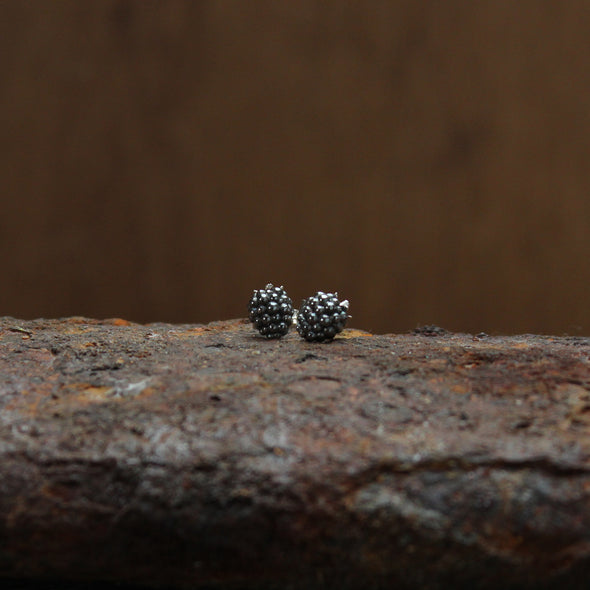 Blackberry studs